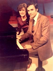 """Stela Enache si Florin Bogardo - """"Balada pescăruşilor albaştri"""", """"Dăruieşte-mi acest ceas de iubire"""" şi """"Hai, vino şi stai lângă mine"""" au apărut în 1989!"""