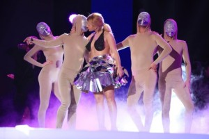 Cristina Vasiu pe scena selectiei nationale Eurovision 2015