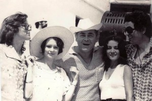 De la stanga la dreapta: Angela Ciochină, Doina Stănescu, George Grigoriu, Mihaela Runceanu şi George Sava la Festivalul Mamaia'76. Arhivă familia Runceanu.